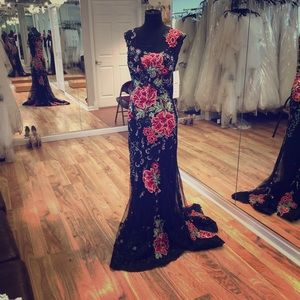 Dresses & Skirts - Long formal gown